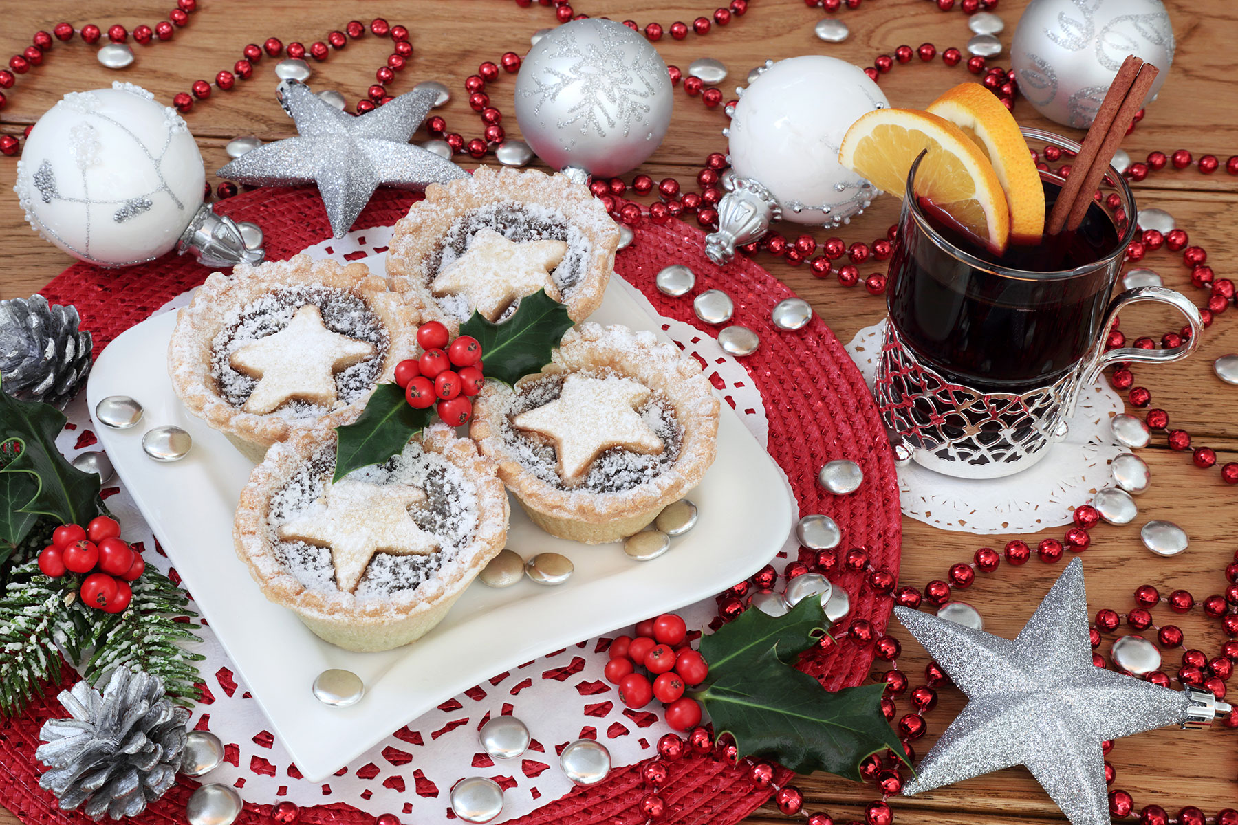 Get in to the Festive Spirit with our virtual Mulled Wine and Mince Pies evening